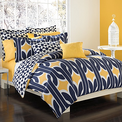 DVF Studio™ Graphic Chain Link Duvet Cover Set