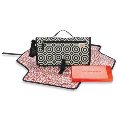 Jonathan Adler for SKIP*HOP® Pronto Diaper Changing Station in Nixon