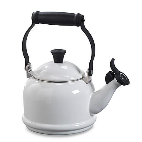 Le Creuset® Demi 1.25-Quart Tea Kettle in White