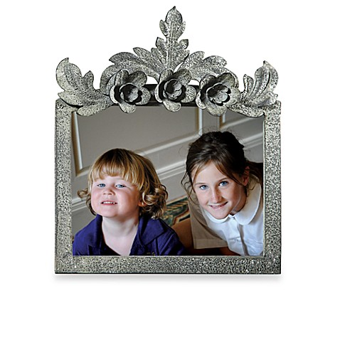Creative Co-Op 5-Inch x 7-Inch Metal Picture Frame with Flowers