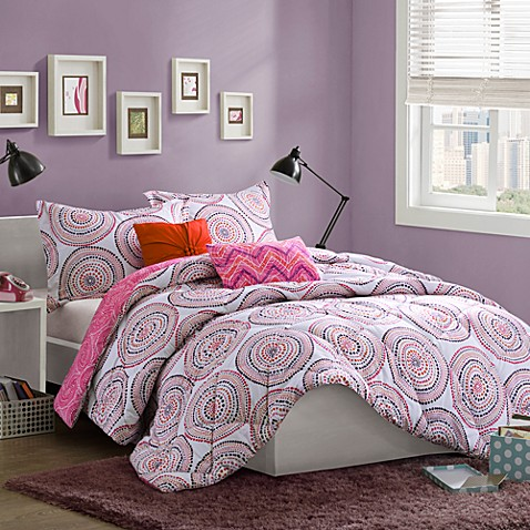 Cozy Soft® Medali Reversible 4-Piece Bed Ensemble