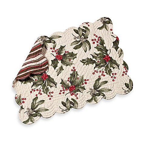 Mistletoe Cream Quilted Placemat