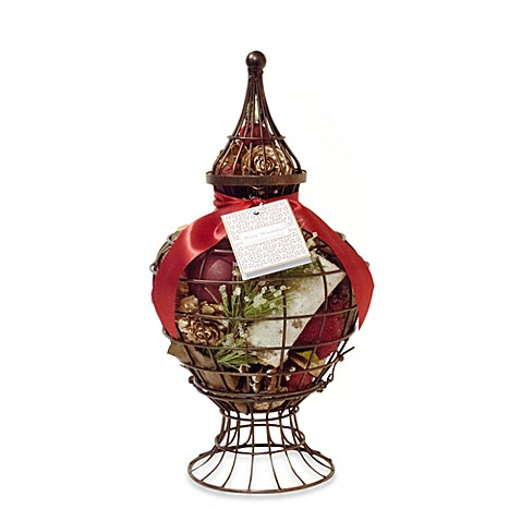 Winter Wonderland Garden Urn Potpourri