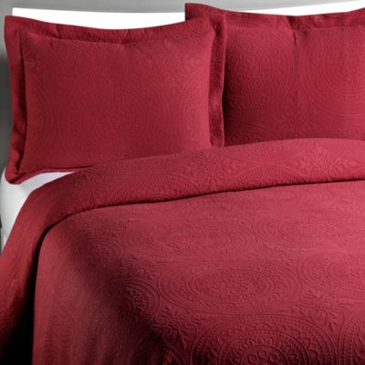 Vue™ Royal Medallion Matelasse Burgundy Standard Pillow Sham