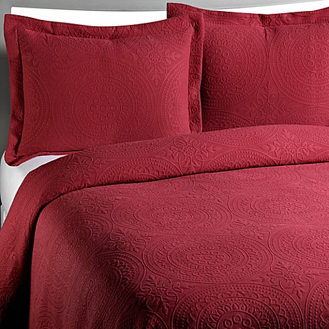 Vue™ Royal Medallion Matelasse Coverlet in Burgundy