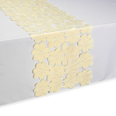 Daisy Scatter Table Runner