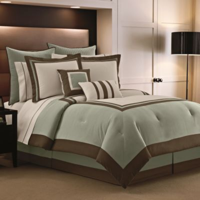 Luxe Hotel 12-Piece King Comforter Super Set in Sage