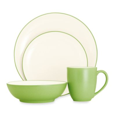 Noritake® Colorwave 4-Piece Coupe Shaped Place Setting in Apple
