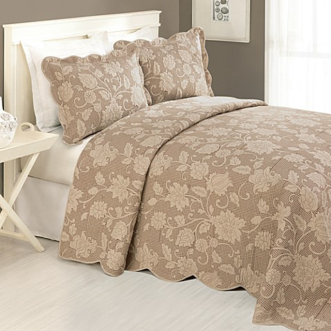 Janet Bedspread in Taupe
