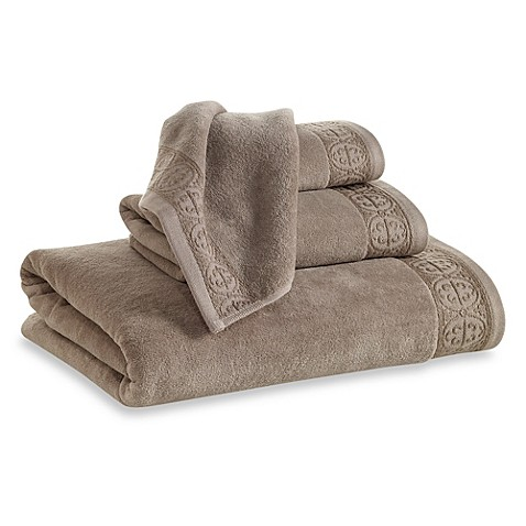 Elizabeth Arden™ Signature Bath Towel in Taupe