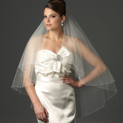 Delicate Edge Fingertip-Length 2-Layer Veil in Diamond White