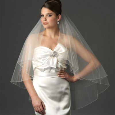 Delicate Edge Fingertip-Length 2-Layer Veil in Ivory