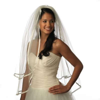 Delicate Edge Fingertip-Length 2-Layer Bridal Veil in Diamond White