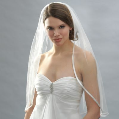 Ribbon Edge Elbow-Length Bridal Veil in Diamond White