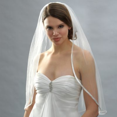 Ribbon Edge Elbow-Length Bridal Veil in Ivory