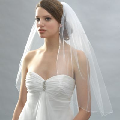 Pencil Edge Elbow Diamond White Veil