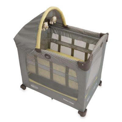Graco® Travel Lite™ Crib with Stages Bassinet in Peyton