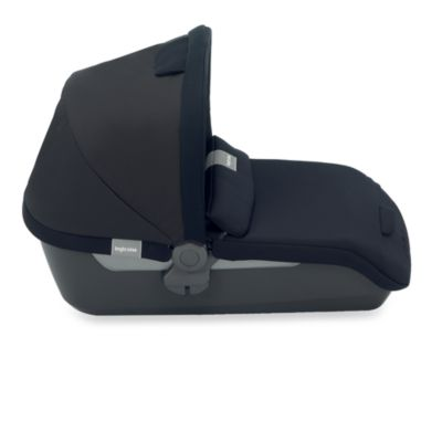 Inglesina Avio Bassinet in Pirate Black