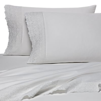Wamsutta® 400 Thread Count Lace Hem California King Sheet Set in White Lace