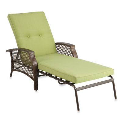 Wicker Deep Seating Chaise Lounge Chair with Green Cushion