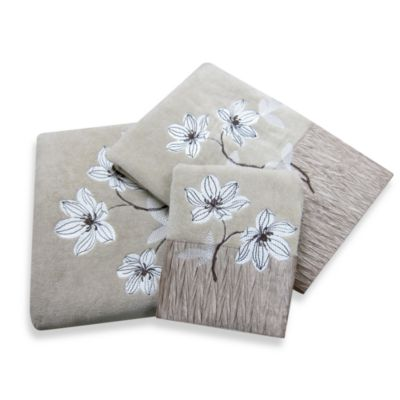 Croscill Magnolia Fingertip Towel