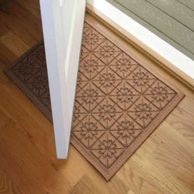 Weather Guard™ Star 23-Inch x 35-Inch Door Mat in Brown