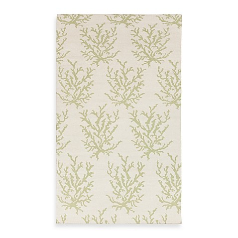 Aventura 2-Foot x 3-Foot Rug in White with Lettuce Leaf