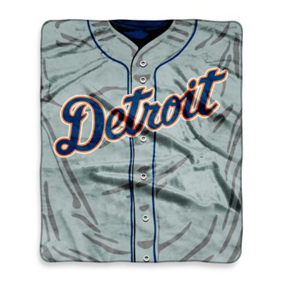 MLB Detroit Tigers Retro Raschel Throw Blanket