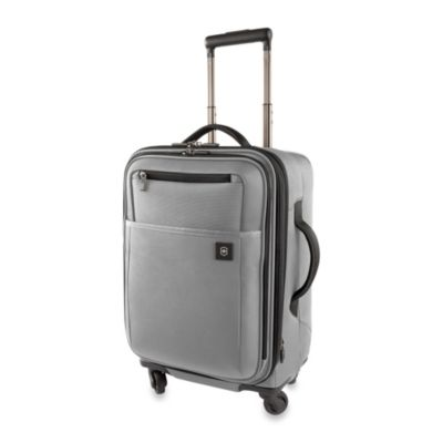 Victorinox Avolve 2.0 20-Inch Expandable 4-Wheeled Carry-On in Graphite