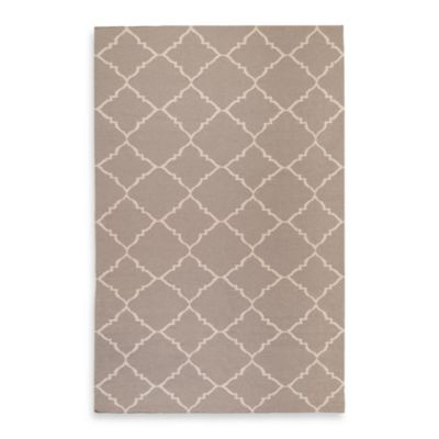 Winslow 5-Foot x 8-Foot Rug in Grey/Ivory