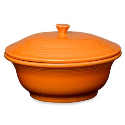Fiesta® Covered 70-Ounce Casserole Dish in Tangerine