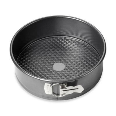 Wilton Advance® 9-Inch Round Springform Pan