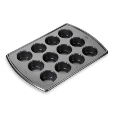 Wilton Advance® 12-Cup Muffin Pan