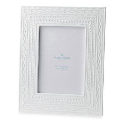 Wedgewood® Intaglio 5-Inch x 7-Inch Frame in White