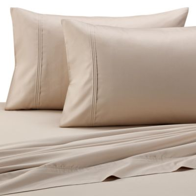 Barbara Barry® Pintuck Sateen Fitted Sheet in Rosewater