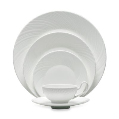 Wedgwood® Ethereal 5-Piece Place Setting
