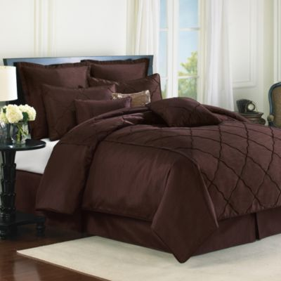 Diamonte Embroidered 4-Piece Reversible Full Comforter Set in Chocolate