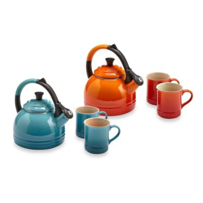 Le Creuset® Peruh Kettle and Mugs Set in Cherry