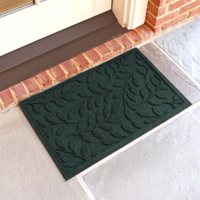 Weather Guard™  Boxwood 18-Inch x 28-Inch Doormat in Evergreen