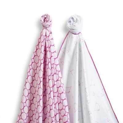 Berry Chickies Blankets