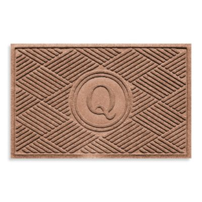 """Weather Guard™ Diamonds Monogrammed """"Q"""" 2-Foot x 3-Foot Door Mat in Bluestone"""