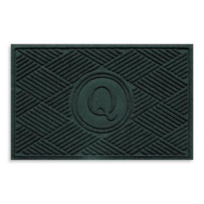 """Weather Guard™ Diamonds Monogrammed """"Q"""" 23-Inch x 35-Inch Door Mat in Evergreen"""