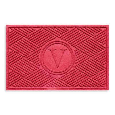 """Weather Guard™ Diamonds Monogrammed """"V"""" 2-Foot x 3-Foot Door Mat in Red/Black"""