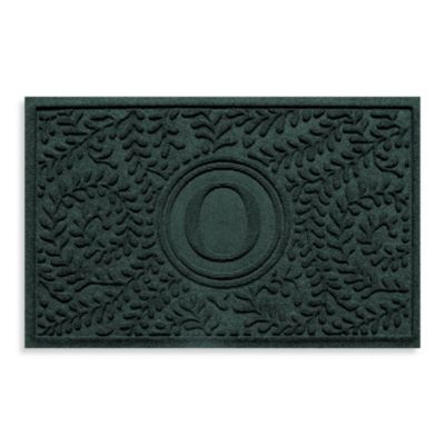 """Weather Guard™ Boxwood Monogrammed """"O"""" 23-Inch x 35-Inch Door Mat in Evergreen"""