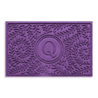 "Weather Guard™ Boxwood Monogrammed ""Q"" 2-Foot x 3-Foot Doormat"