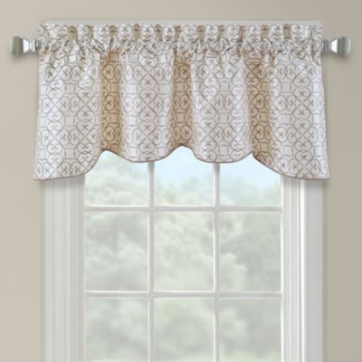 Darrow Embroidered Arch Scallop Valance in Ivory