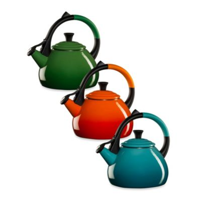 Le Creuset® Oolong Kettle in Cherry