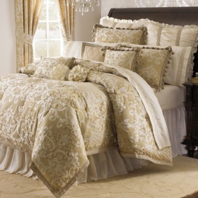 Michael Amini Novella 4-Piece Reversible King Comforter Set