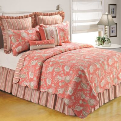 Natural Shells Reversible Twin Quilt in Coral