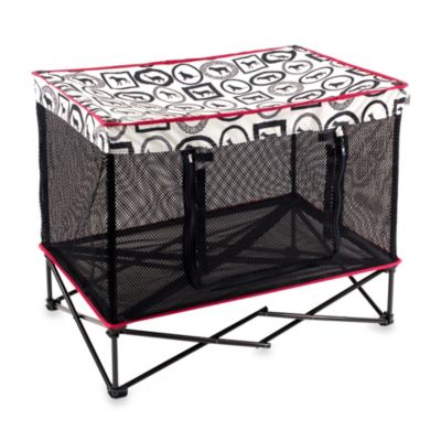 Quik Shade Medium Instant Portable Pet Kennel in Friendly Canine Pattern